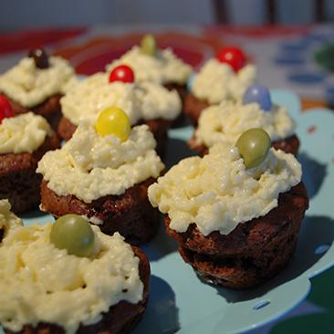 Csokis cupcake smarties-zal