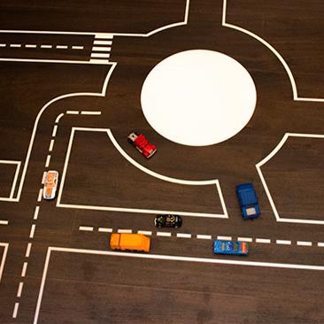 Gigászi autópálya a nappaliban