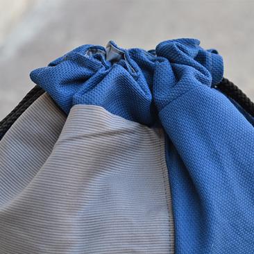 Egy gym bag két színben