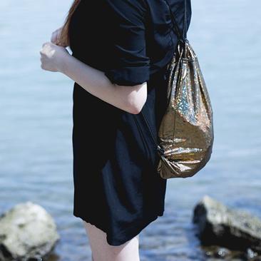 Szuper fotósorozatban a Lilla Sellei Bags darabok