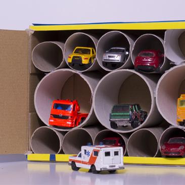 DIY garázs papírból