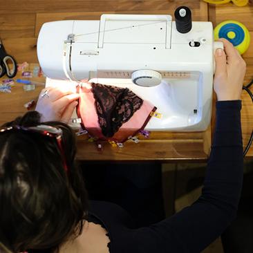 Ismét Plastr workshop: csipkés melltartót varrtunk